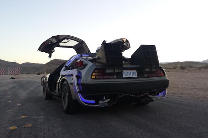 DeLorean_DMC-12_flux_01