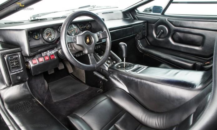 Lamborghini_Countach_5000_QV_08