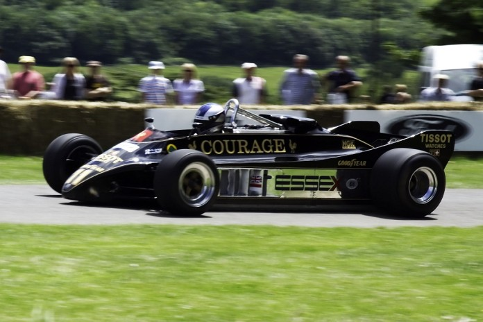 Lotus-Cosworth_88B