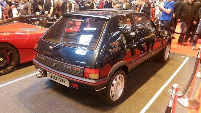 Peugeot_205_GTi_Restored_05