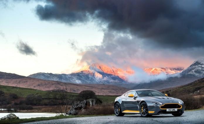2017-Aston-Martin-V12-Vantage-S-118-876x535