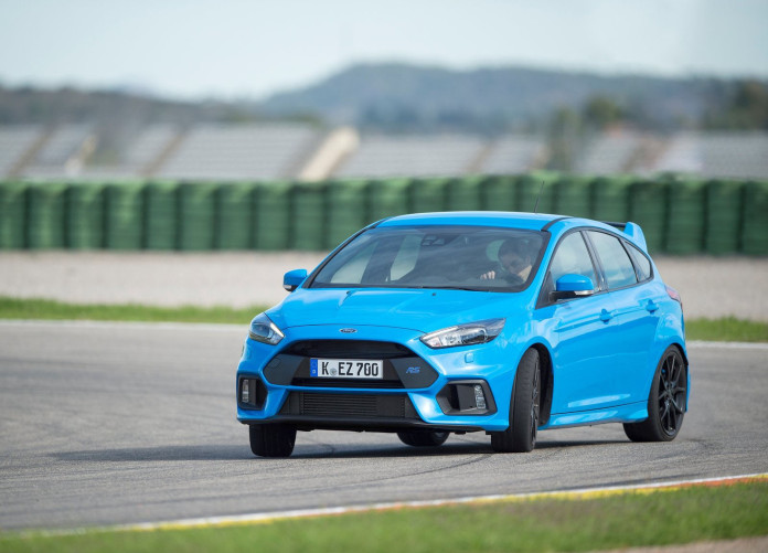 Ford-Focus_RS-4