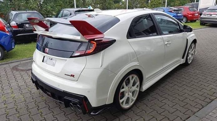Honda_Civic_Type_R_Final_Edition_04