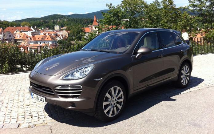 Porsche-Cayenne-Diesel-front-three-quarter-2