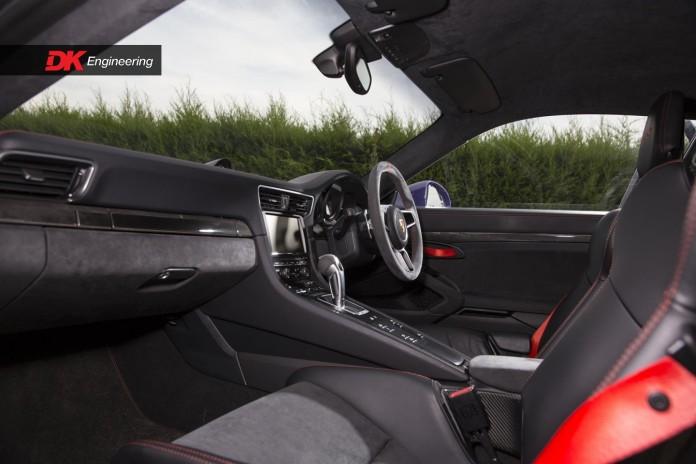 Porsche_911_GT3_RS_07