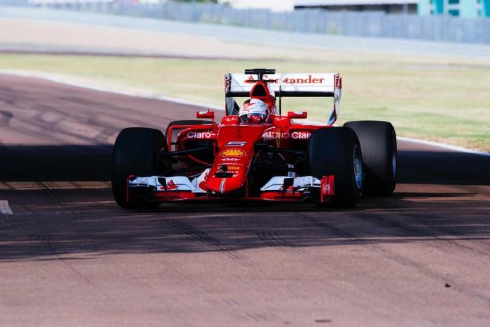 Vettel Pirelli 2017 (2)