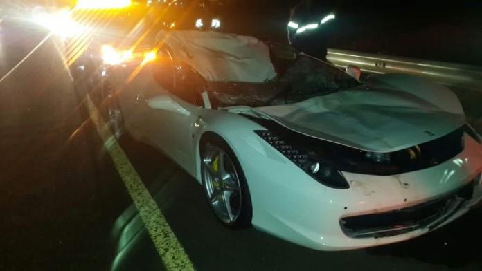 ferrari-458-italia-crash-cow-south-africa-2