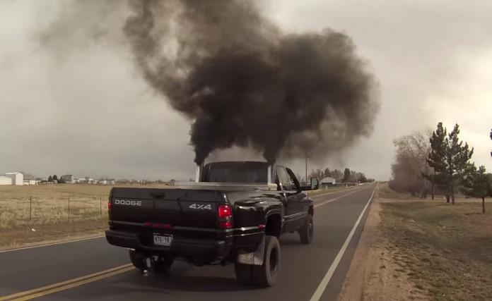 pickup-truck-rolling-coal_100476001_h