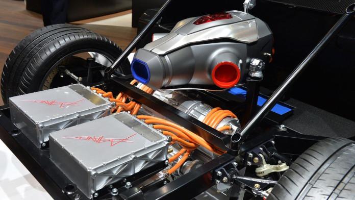 techrules-at96-trev-supercar-concept-debut-in-geneva1 (6)