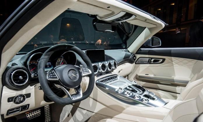 Mercedes_AMG_GT_Roadster_0373