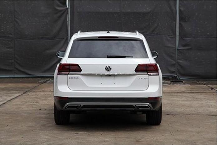 VW_Teramont_leaked_01