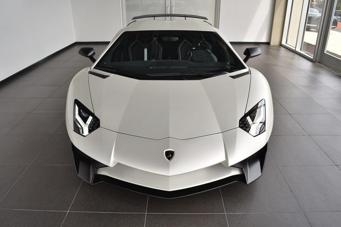 lamborghini-aventador-sv-for-sale-19