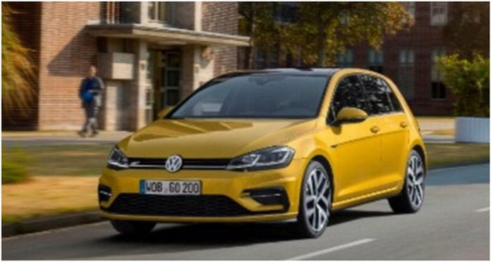 vw-golf-2017-facelift-leaked-photos-1