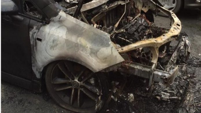 opel-corsa-on-fire1