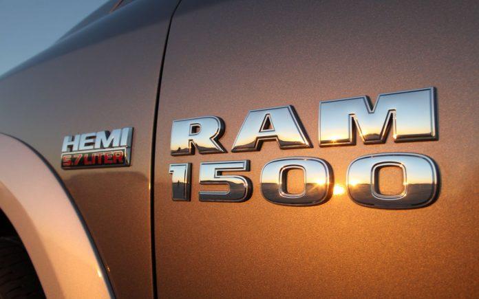 2013-ram-1500-badge-2