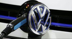 Η Volkswagen προετοιμάζει τον αντίπαλό της στο Tesla Model S.