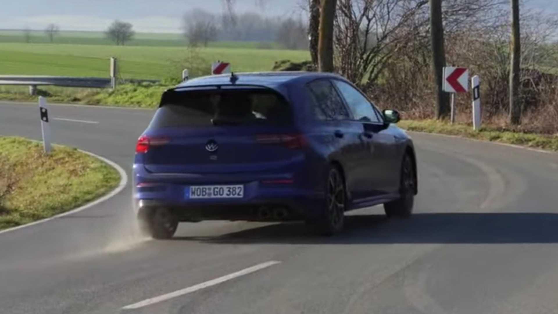 Δείτε στην πράξη τη λειτουργία μετακίνησης του νέου VW Golf R
