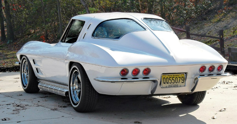 Split Window Corvette >> When Chevy Split the Rear Window: 7 Views of the 1963 Corvette