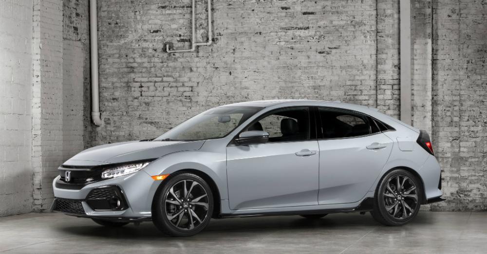 11.08.16 - 2017 Honda Civic Hatchback
