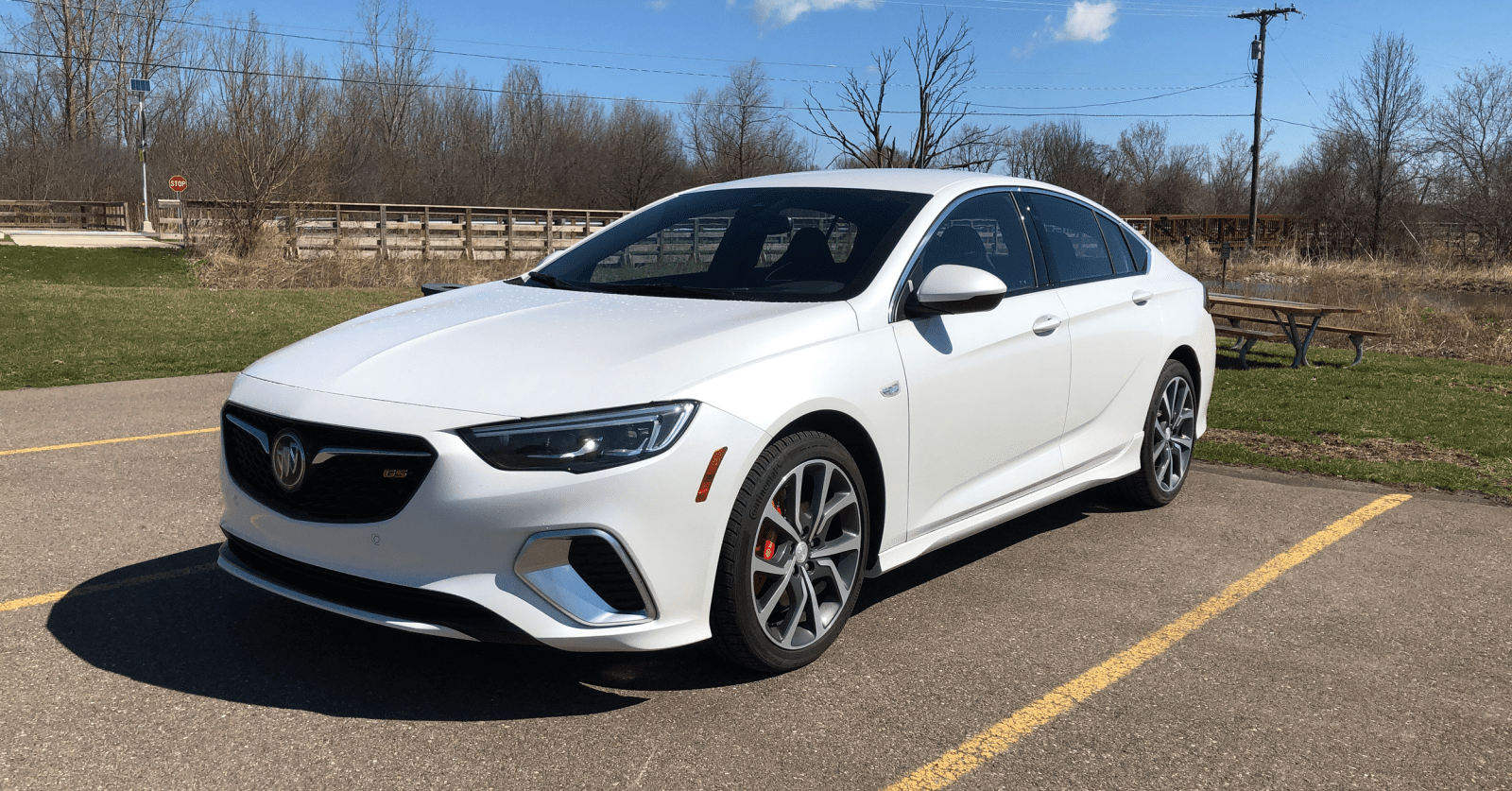 Buick Takes Over the Middle Ground with the Regal Models