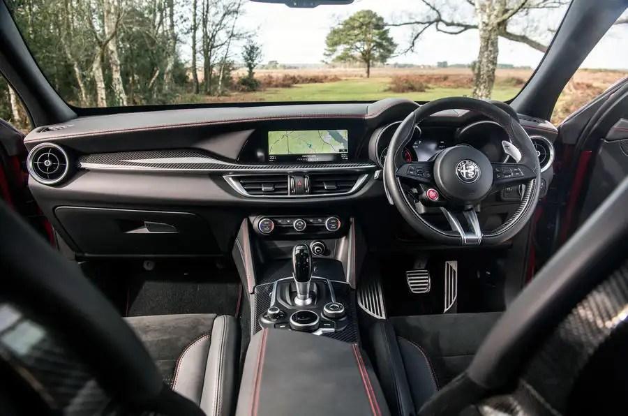 Alfa Romeo Stelvio Interior