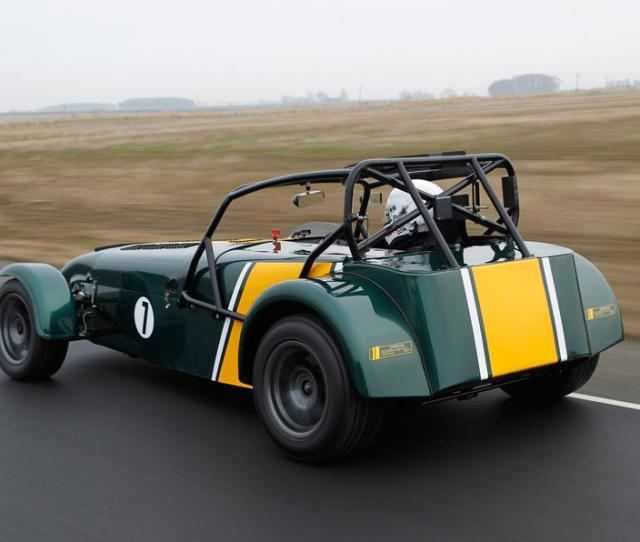 Fourth Gear Middling Revs Straight Line Full Power Frantic Wheelspin Welcome To The Caterham R
