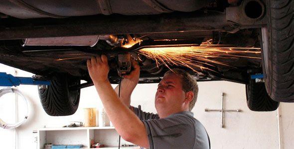 Los conductores agotan las reparaciones de su coche antes de comprar otro