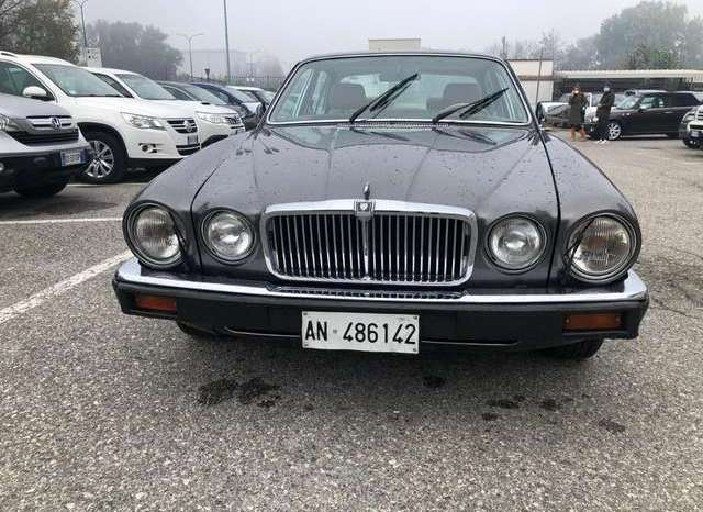 Jaguar XJ – 404134171 pieno