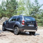 2014 Renault Duster Facelife rear three quarters-1