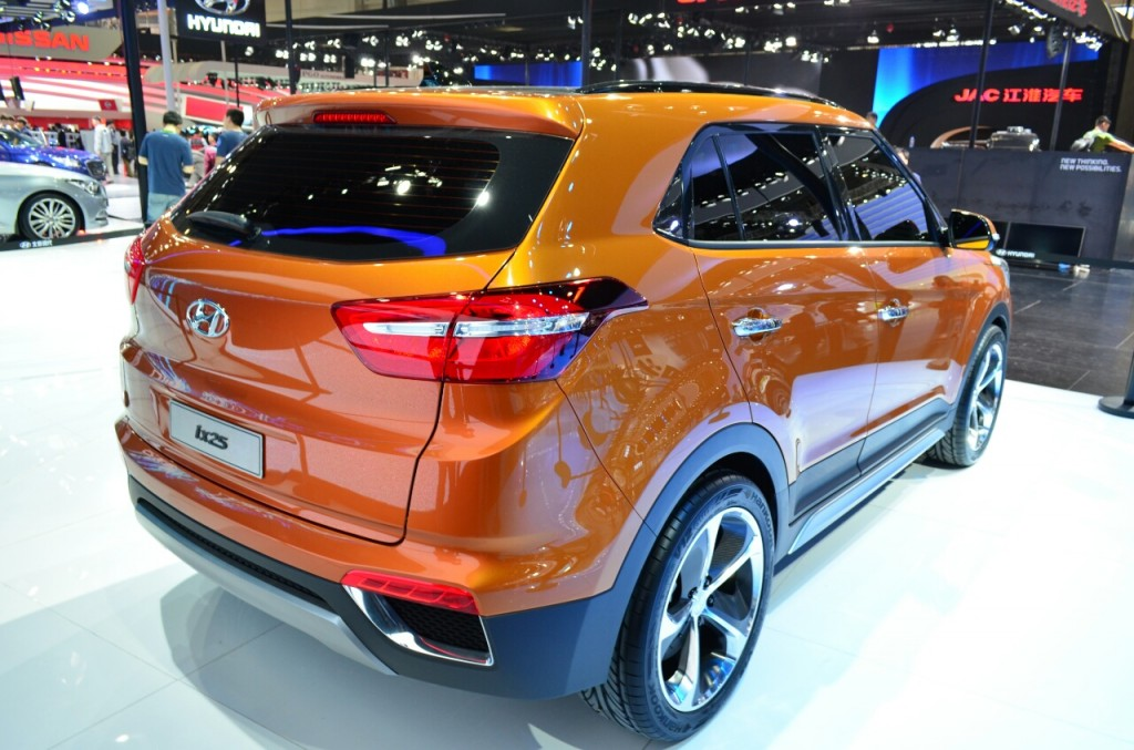 2014 Hyundai IX-25 compact SUV rear three quarters