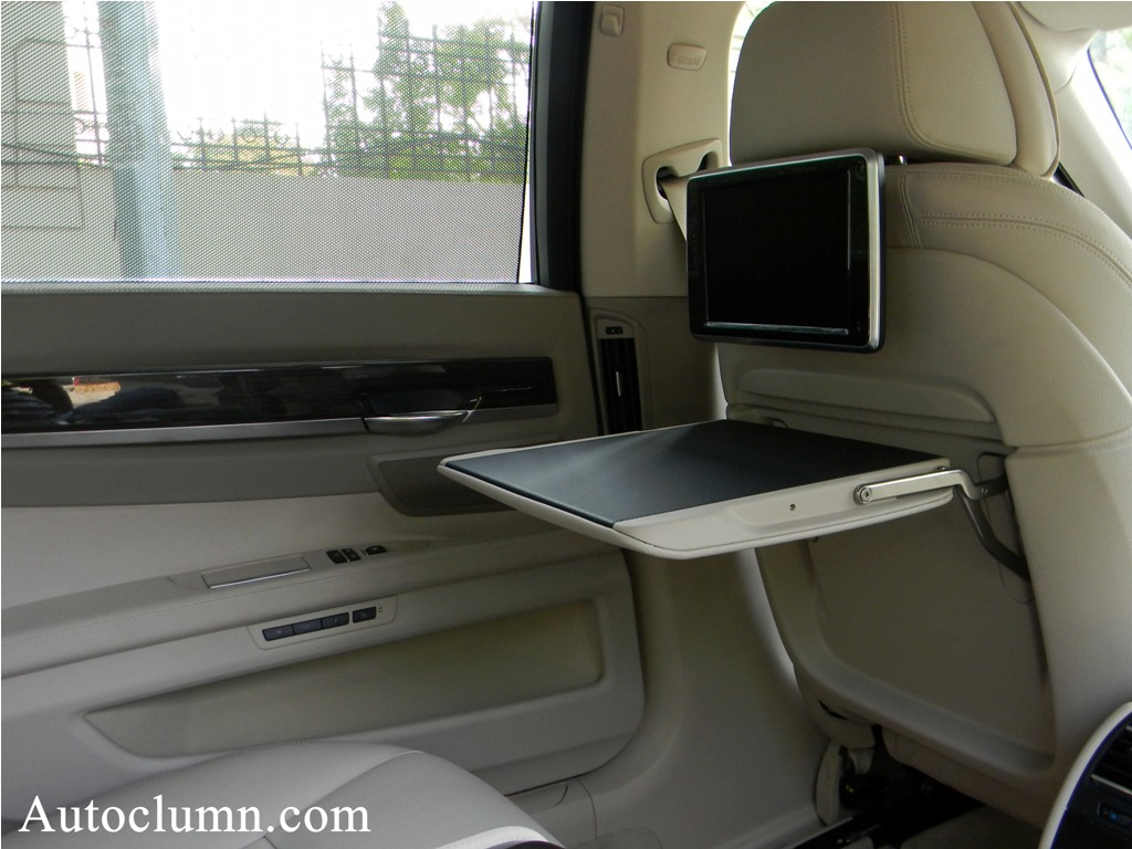 2014 BMW 7 series 730Ld rear seat