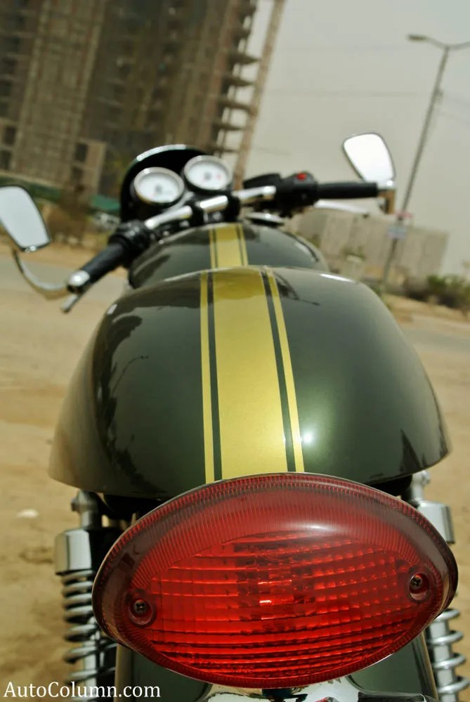 2014 Triumph Thruxton 900 racing stripes