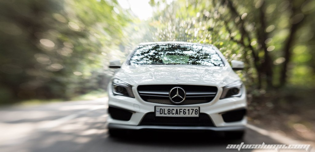 2014-Mercedes-Benz-CLA-45-AMG-front-view-3