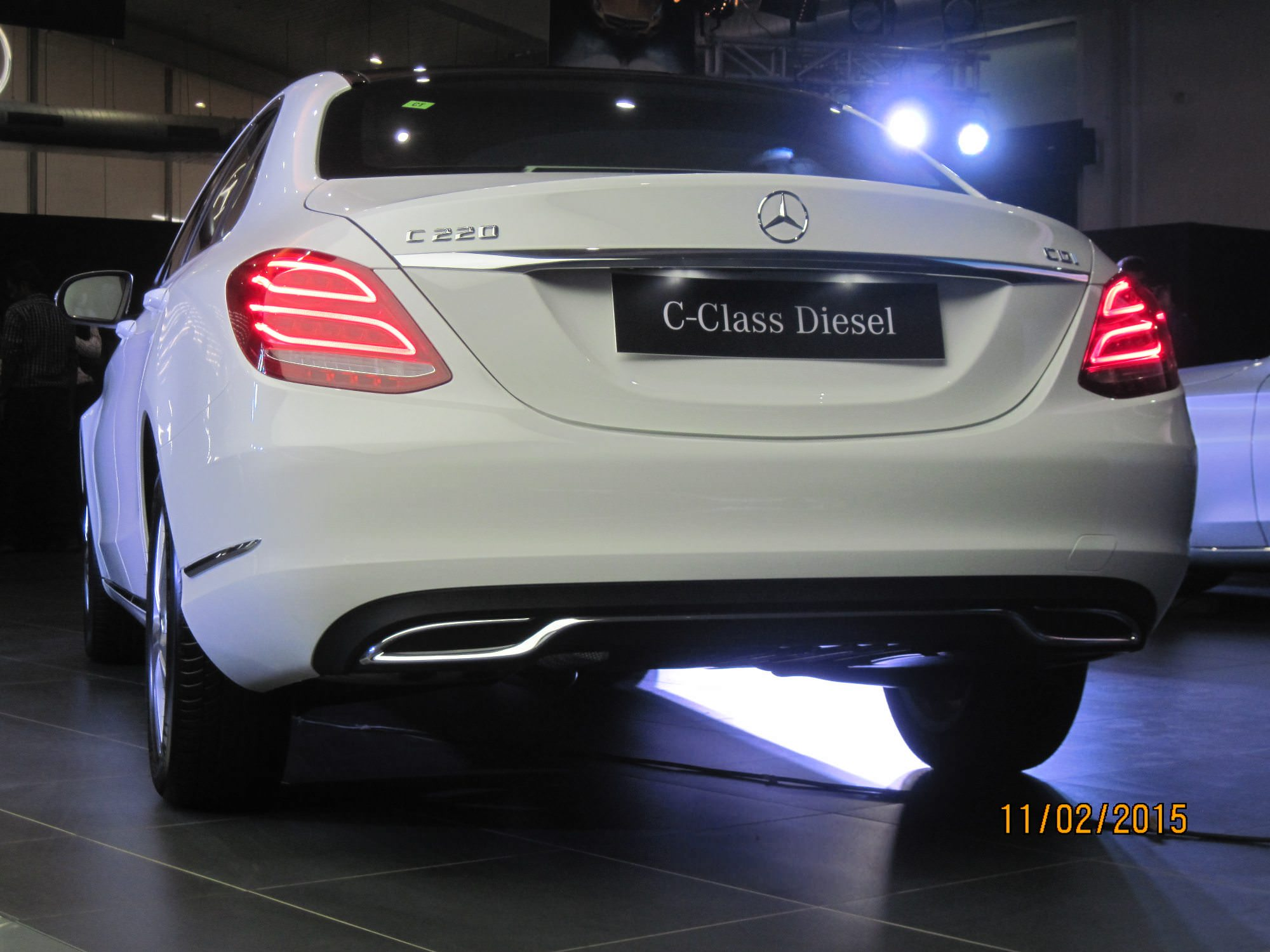 mercedes benz launches c class diesel in india autocolumn. Black Bedroom Furniture Sets. Home Design Ideas