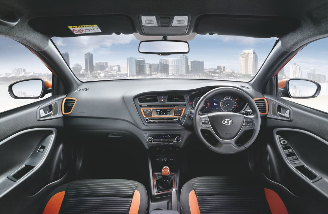 2015 Hyundai i20 Active dashboard