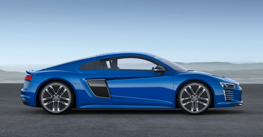 2016 Audi R8 Etron side
