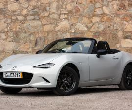 2016 Mazda Miata front three quarters