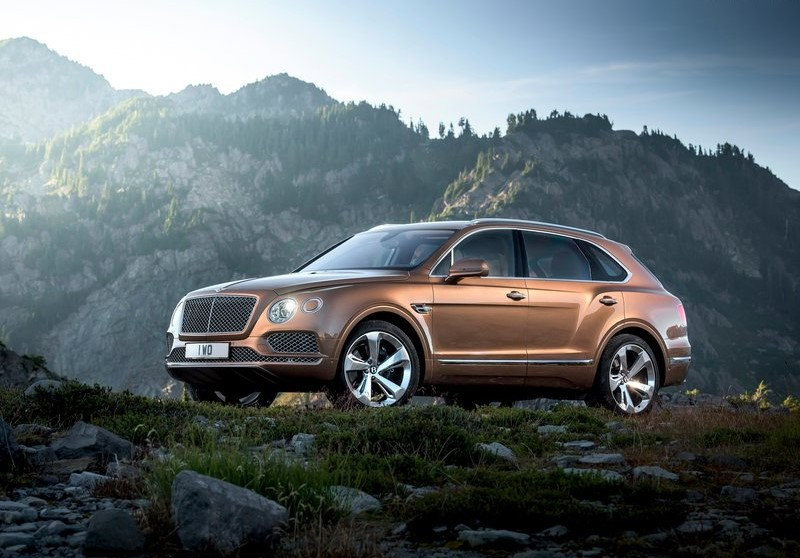 Bentley-Bentayga_2016_