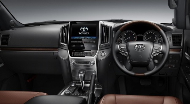 Toyota-Land-Cruiser-facelift-launched-interior