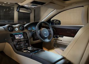 2016 Jaguar XJ L Interior