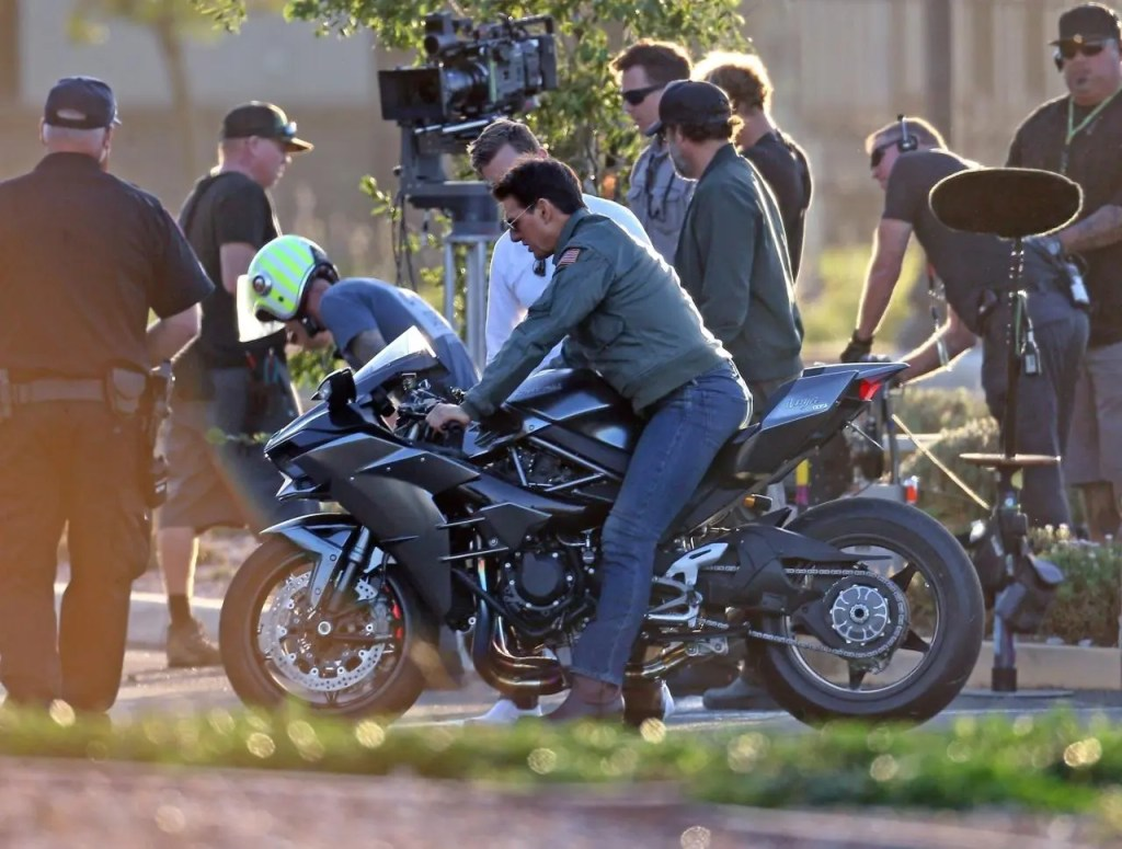 Tom Cruise on a Kawasaki Ninja