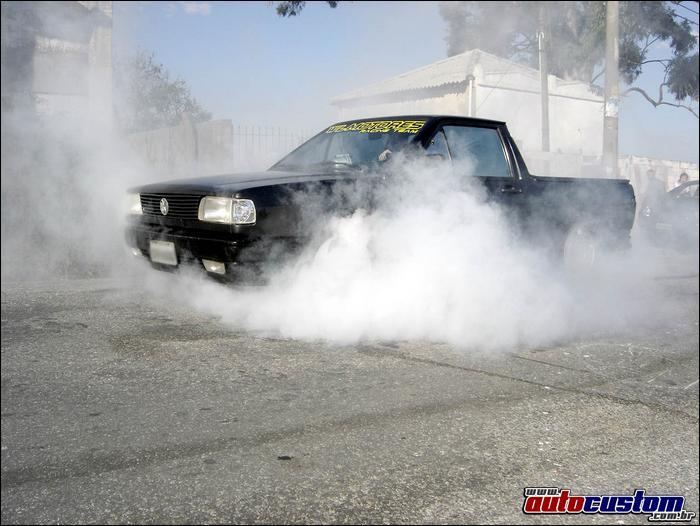 Saveiro CL 1993 turbo e rebaixada fazendo burnout