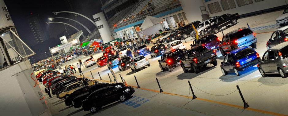 Desfile de Chevrolet no Auto Show Collection 2012