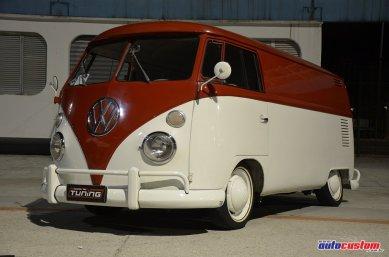 kombi-furgao-1972-branca-vermelha-rebaixada-2