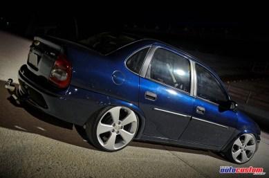 aro-17-cruze-corsa-sedan-2001