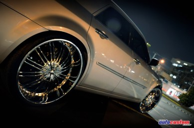 big-wheels-chrysler-300c-2008-brazil