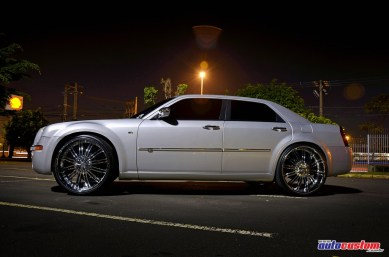 sedan-chrysler-300c-2008-wheels-26-