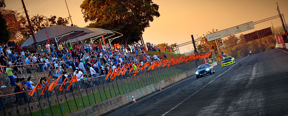 Nissan Silvia Vs Skyline - 1o Campeonato Paulista de Drift 2013 Abril - Piracicaba ECPA