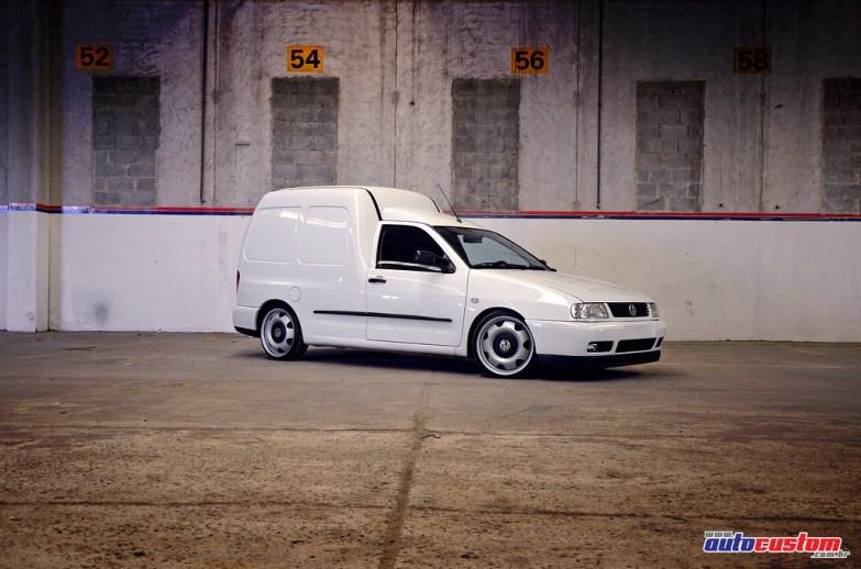 vw-van-branca-2002-rodas-15-ferro