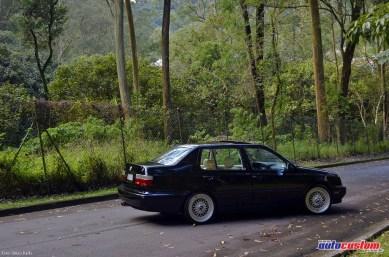 jetta-antigo-mk3-1993-preto-aro-17-sedan